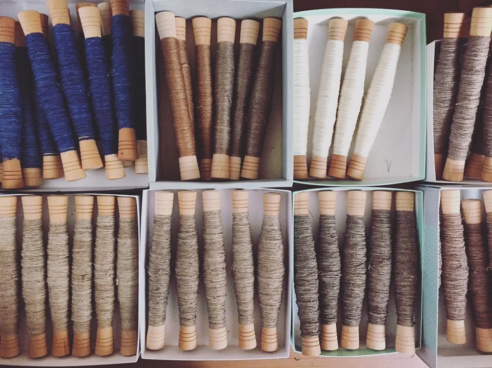 これから織る名古屋帯の経糸(たていと)の準備。