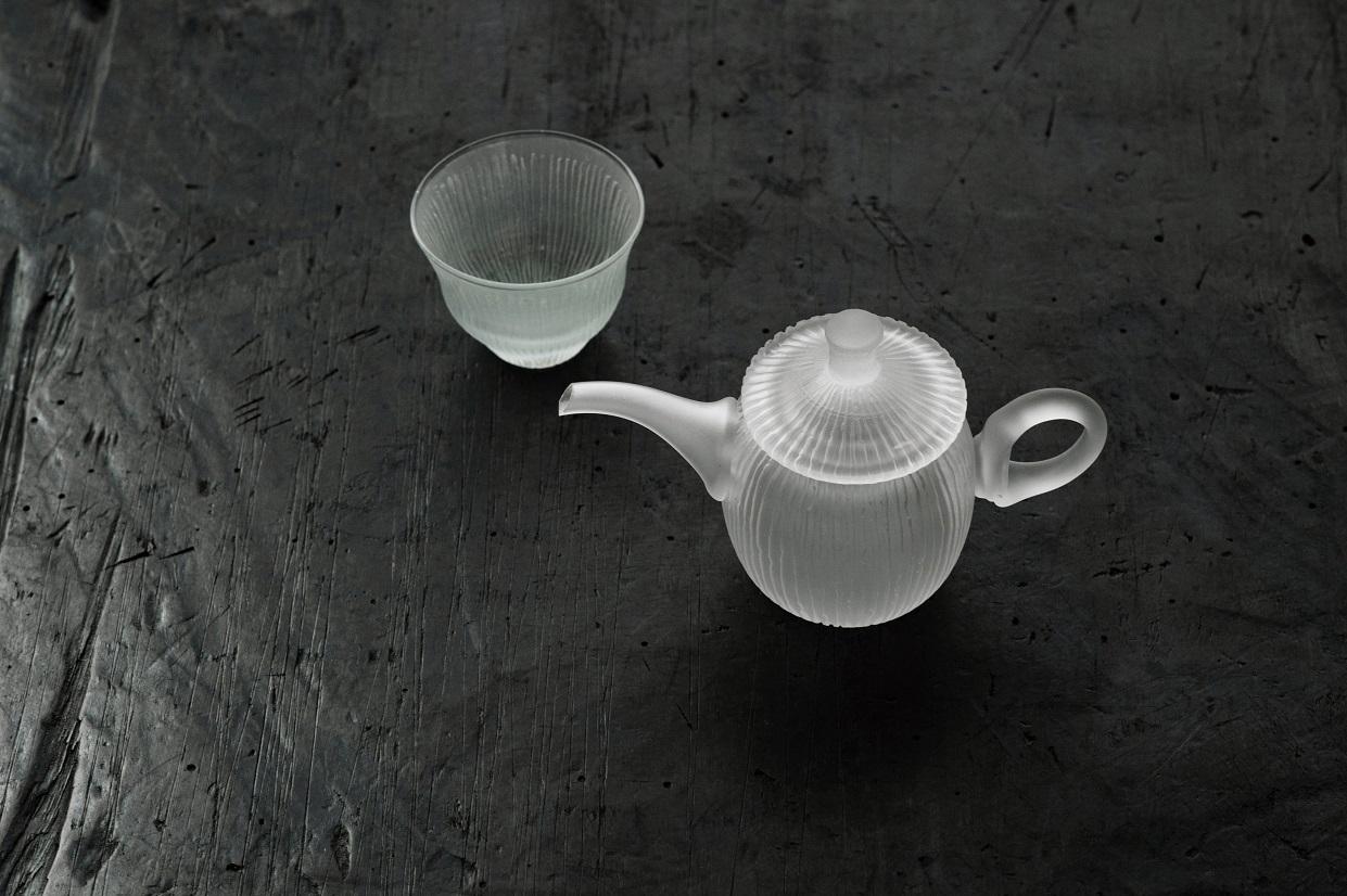 線刻茶壷・茶杯