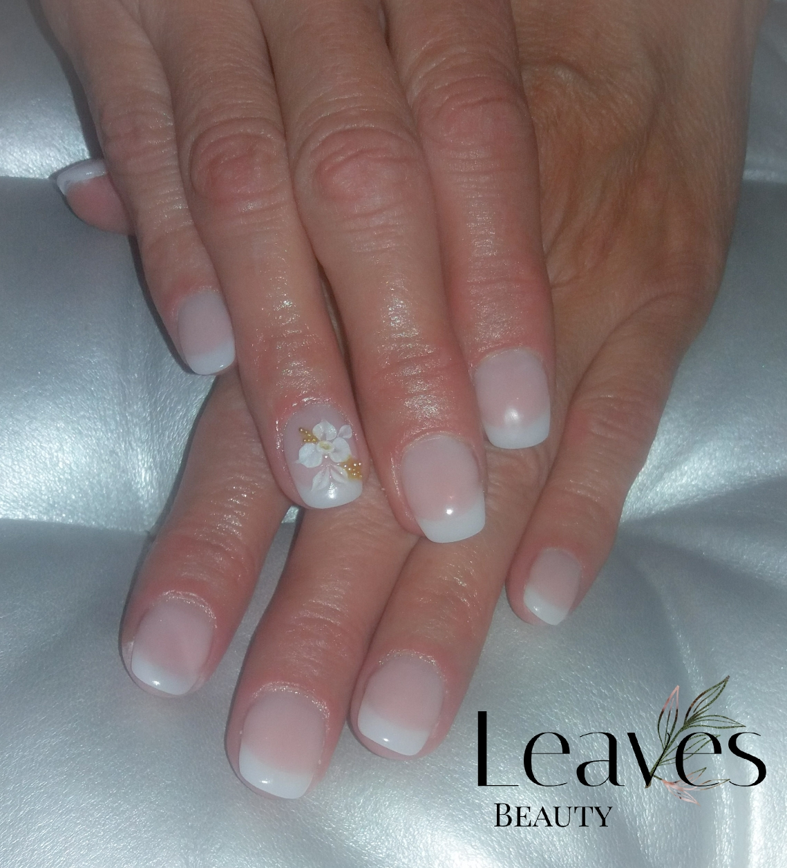 Short french manicure acryl nagels