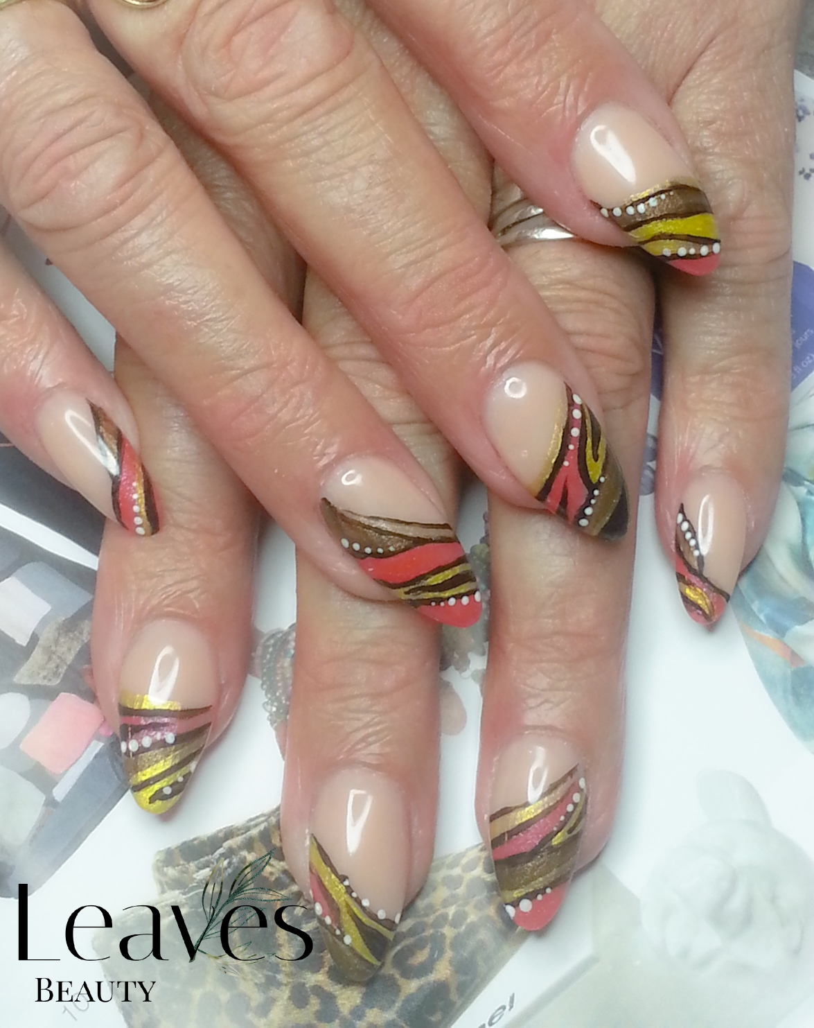 Free style hand painted nail art
