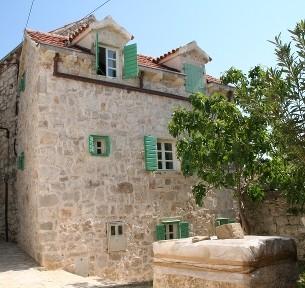 Kroatien - Ferienhaus Bounty Frontale