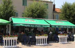 """Kroatien - Cafe Bar """"Pejo"""" am Hafen von Betina"""