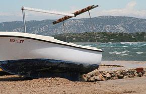 Kroatien - Fischerboot in Betina