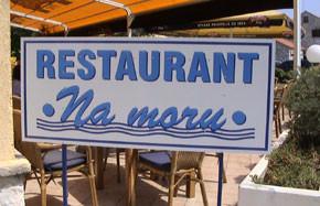 """Kroatien - Fischrestaurant """"Na moru"""" am Hafen in Betina"""