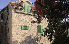 Kroatien - Fereinhaus aus Stein in Betina