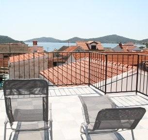 Kroatien - Ferienhaus CaptainsHaus Terrasse