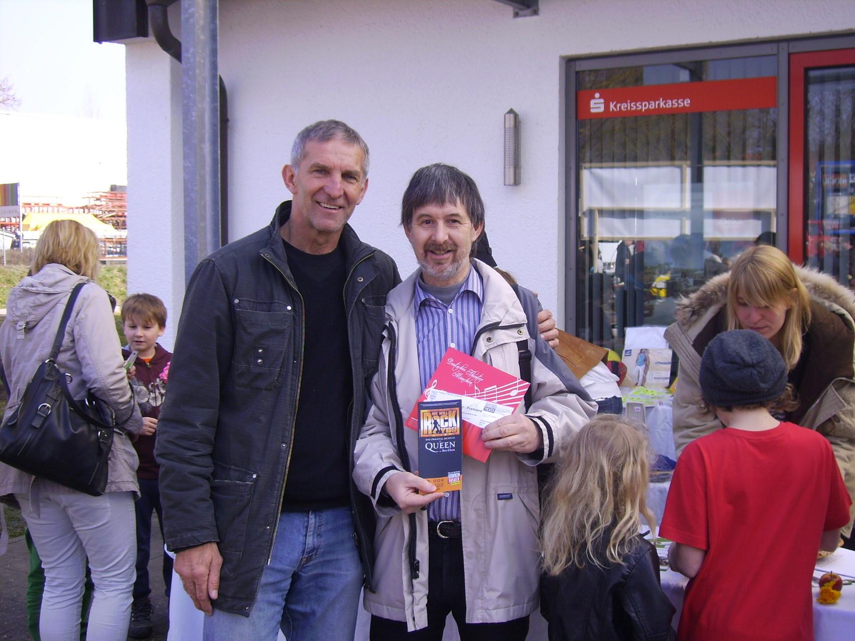 Herr Kreidenweis mit Werner Steer, Geschäftsführer vom Dt. Theater