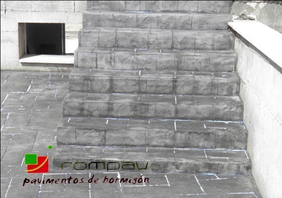 escaleras de hormigon impreso gris