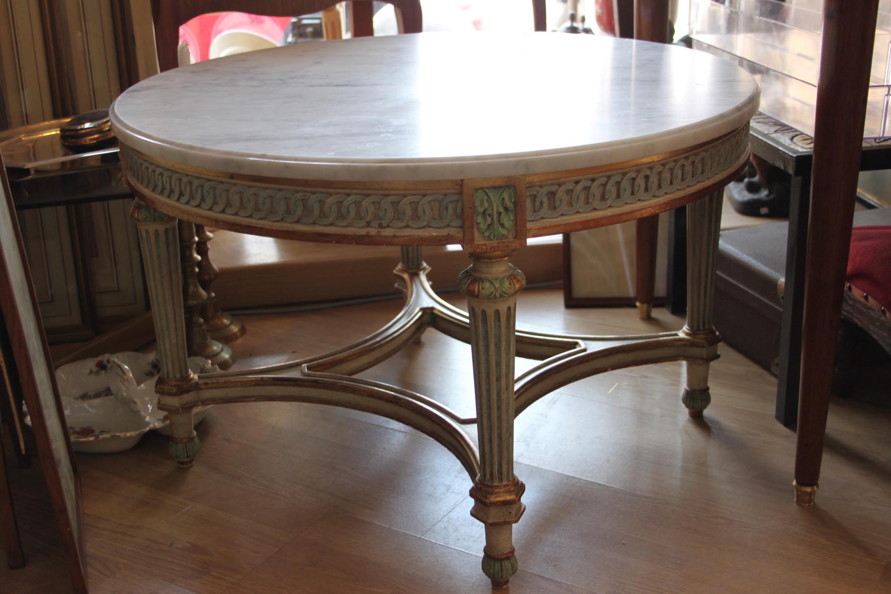 table basse avec marbre de style louis XVI