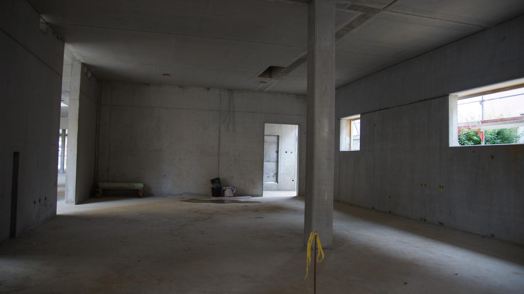 Küche, Vorratsraum und Behinderten-WC