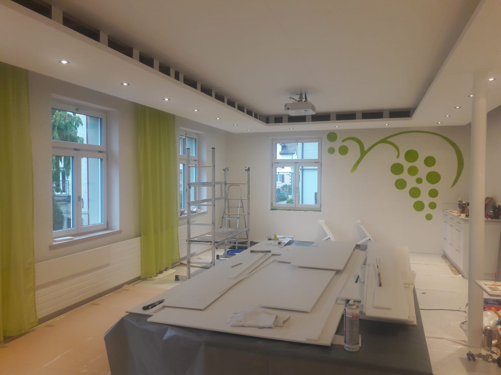 Endlich sieht der Raum wieder etwas lebendiger aus :) (W21)