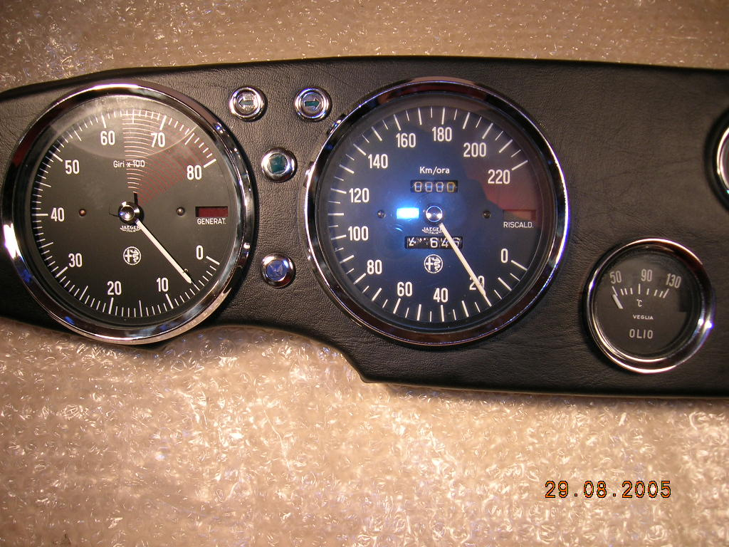 cover dashboard 105.93.105.93.275.00/01 tav 111 in stock (old /new)