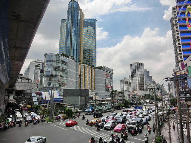 タイ、街並み、自動車、バイク、