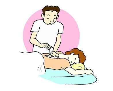 (4)脈診等の結果に基づいて的確な施術を行います