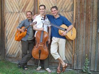 Juan, Martin Bentz, André Krikula (2005)