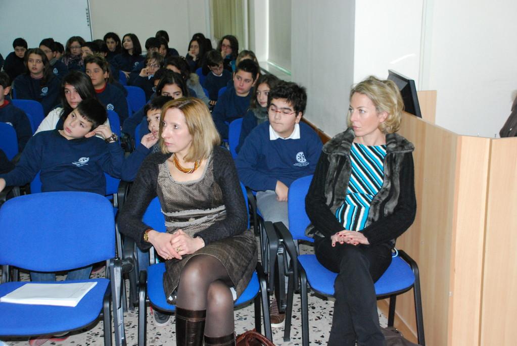 Prof.ssa Annamaria Bove - prof.ssa Marica Benevento (I B)