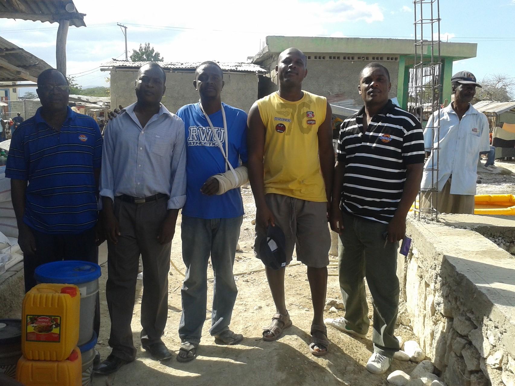 Les représentants de la Mairie de Ganthier en visite sur le chantier
