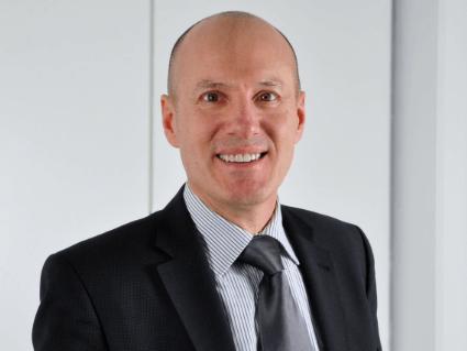 Gerhard-Schmid-kennt-Krankenversicherung-fuer-Auslaender