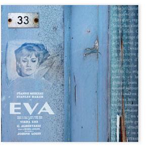 Genf, Graffiti auf blauer Wand.