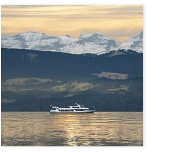 Seeschiff Uertliberg mit Alpenpanorama