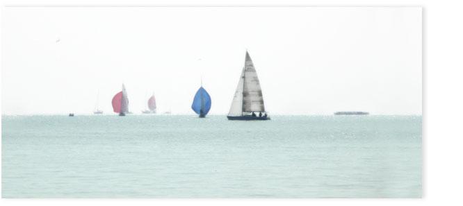 Segelboote auf dem Zürisee.