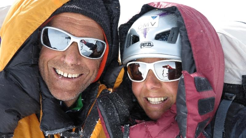 Gerlinde & Ralf freuen sich über den glücklichen Durchstieg bei eher bescheidenem Wetter