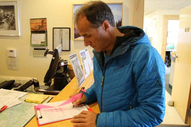 Einschreiben bei den Parkrangern in Talkeetna fürs Expeditions-Briefing