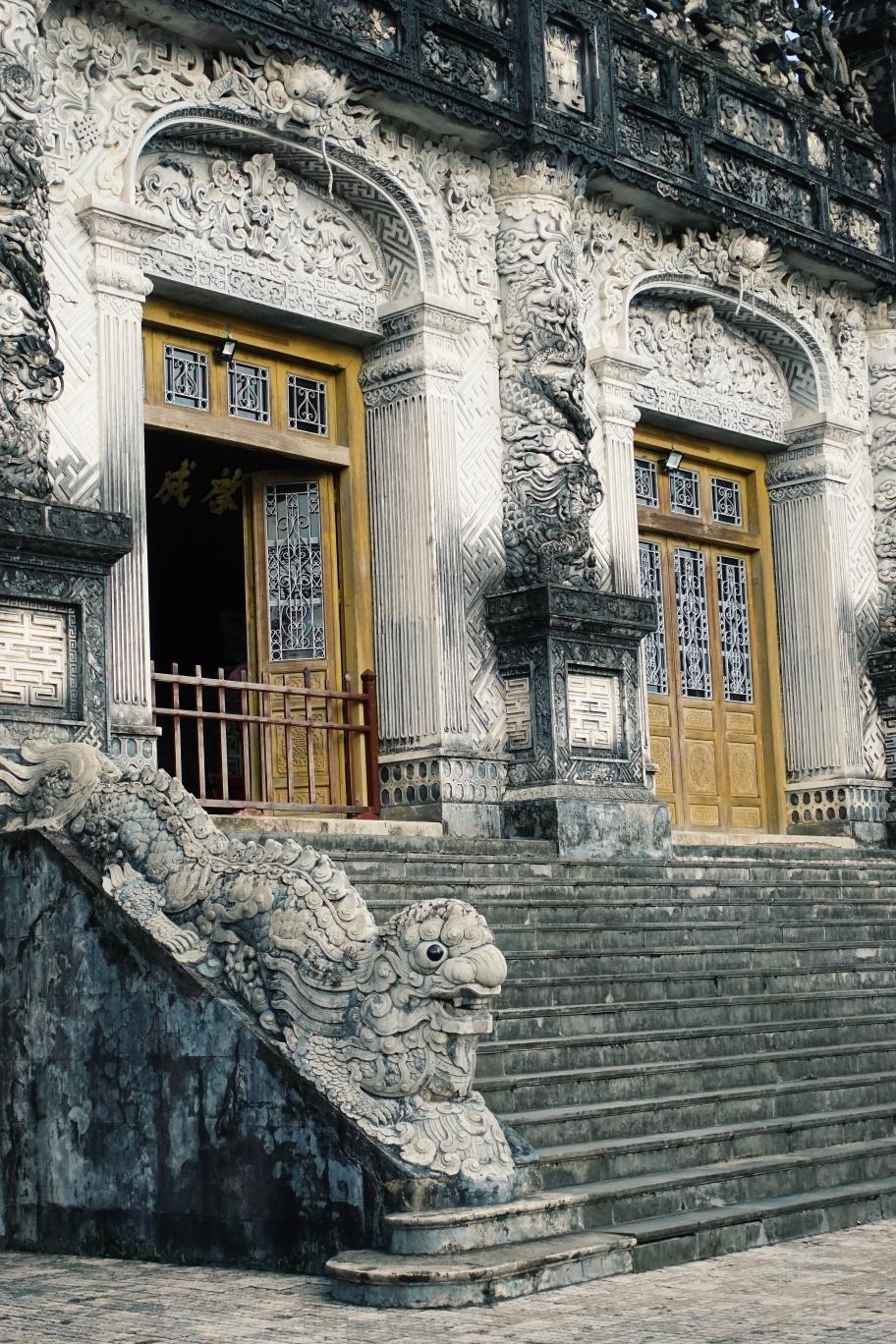 Hue: Tombs
