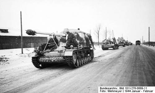 The Nashorn Tank Destroyer (courtesy Bundesarchiv)
