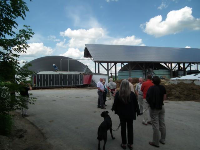 Eine Biogasanlage außerhalb von Wildpoldsried ...
