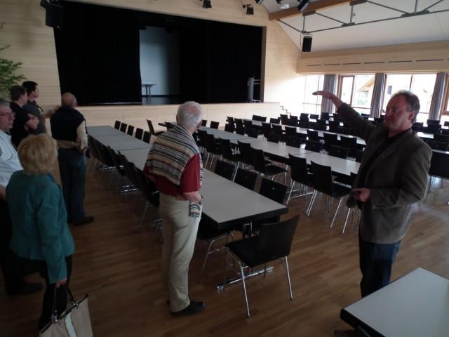 Ein flexibel nutzbarer Veranstaltungssaal (beheizt mit der Abwärme im Heizungskeller) ...