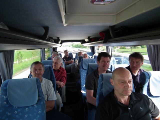 Im Kleinbus auf dem Weg nach Wildpoldsried: Schon von Weitem sieht man die ...
