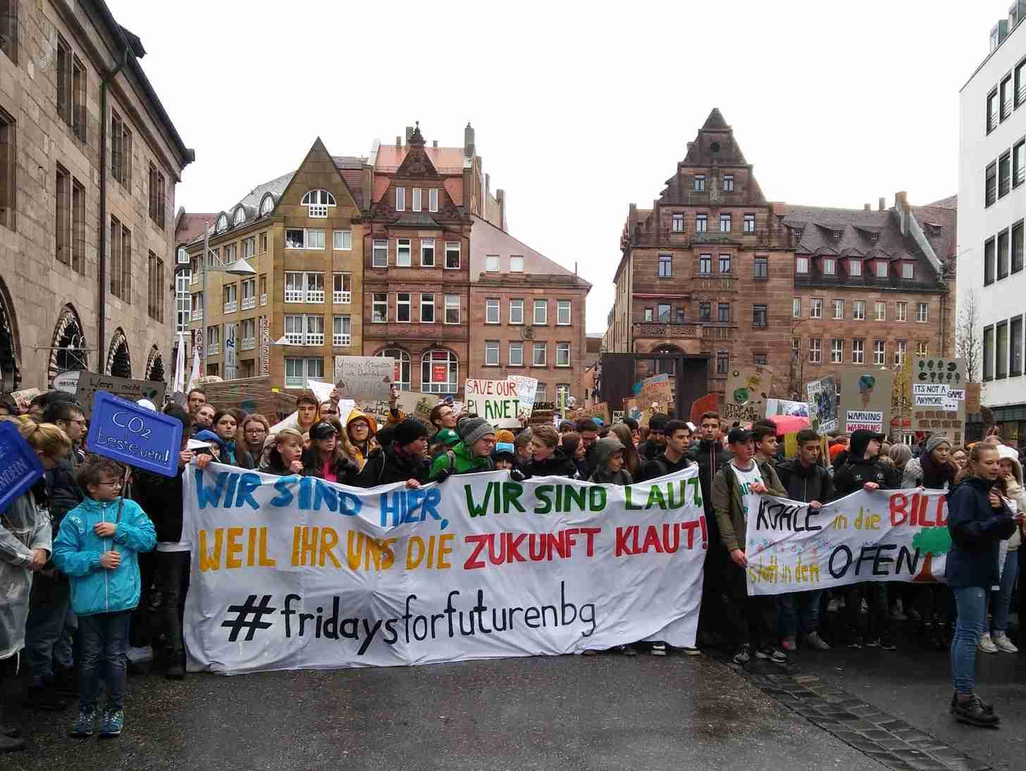 3000 aktive Bürger/-innen ...  Schüler-Eltern-Lehrer- ...