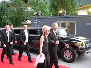 Gala-Abend in Österreich mit Hummer-Stretchlimousine
