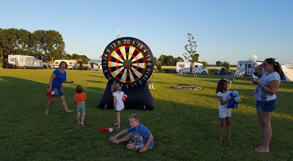 Tijdens mooie zomerse dagen zijn er activiteiten voor de kinderen