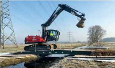 Kettenbagger Freileitungsbau