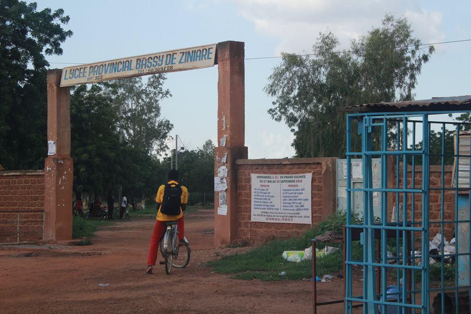 Öffentliches Gymnasium in Ziniaré.
