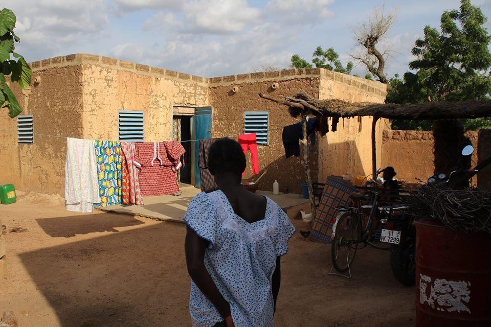 Wir durften einen Rundgang durch das Dorf machen und erhielten Einblicke in das typische Leben Burkinas.
