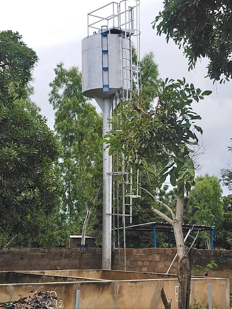 Im August 2018 konnten wir einen mit einer solarpumpe betriebenen Brunnen finanzieren.