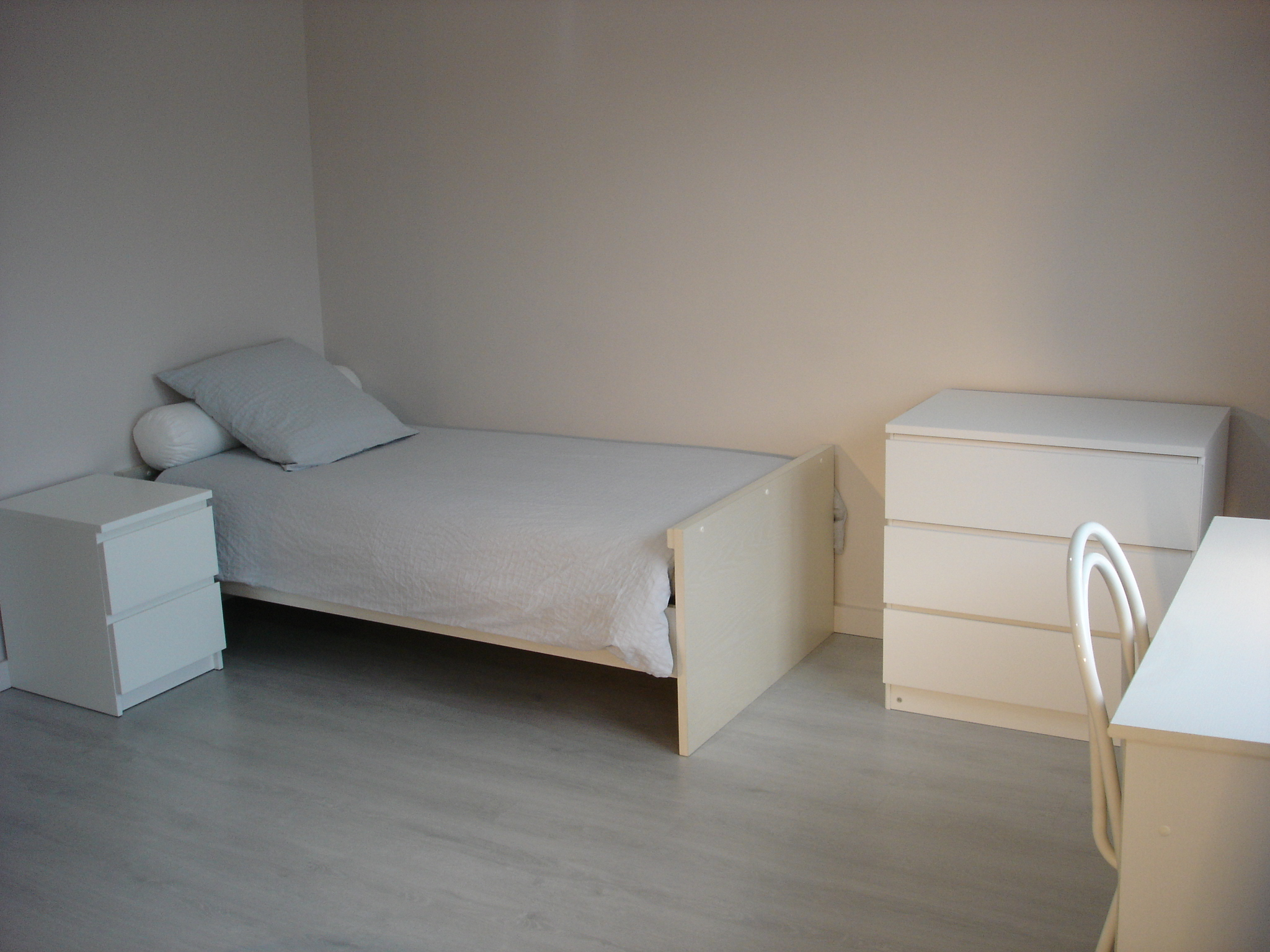 Chambre parentale 4 étage (vue lit 1 place)
