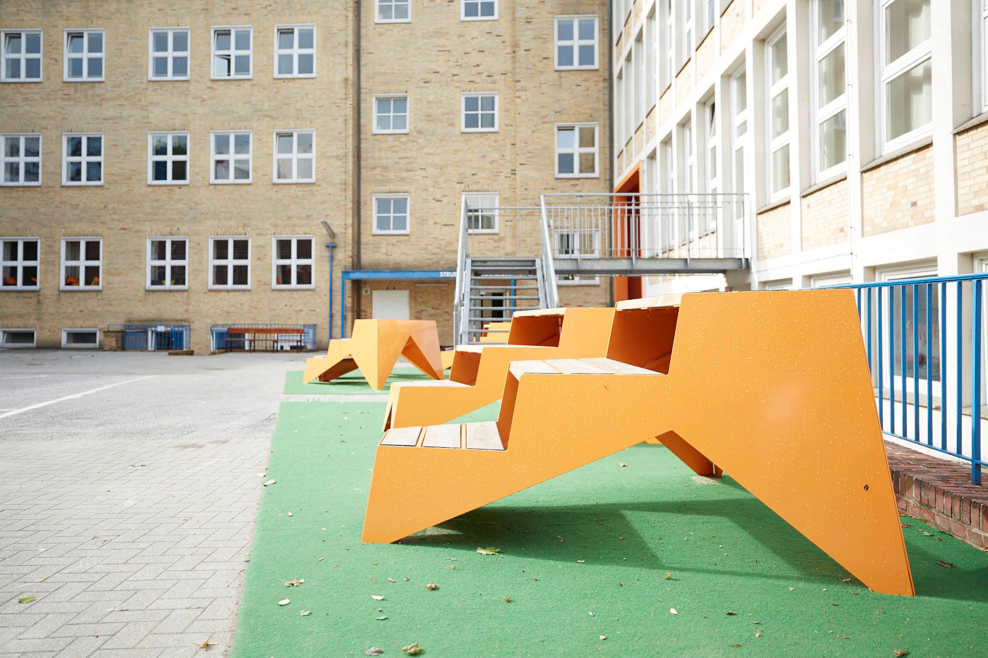 Teppichvlies-Spielplatz-auf-Schulhof
