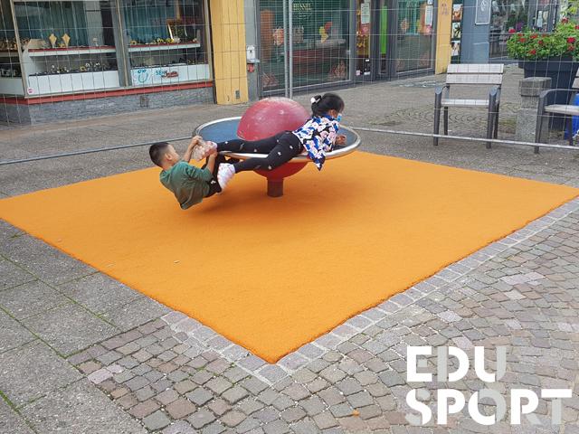Teppichvliesbelag mit Fallschutz auf Spielplatz in Heidenheim
