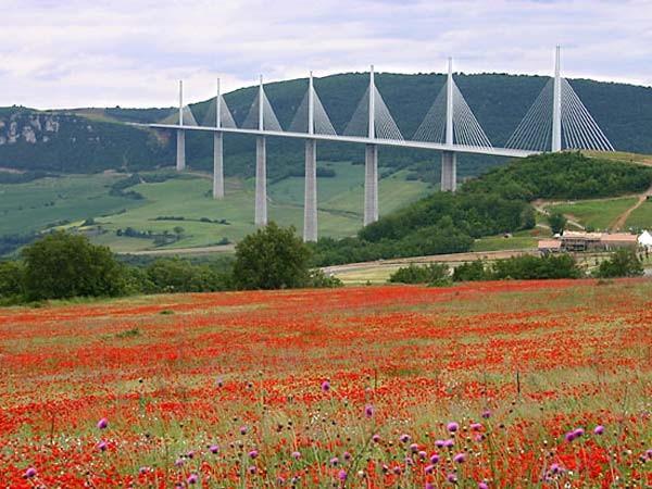 Le viaduc de Millau - Gite La Garde - Gagnac 12310