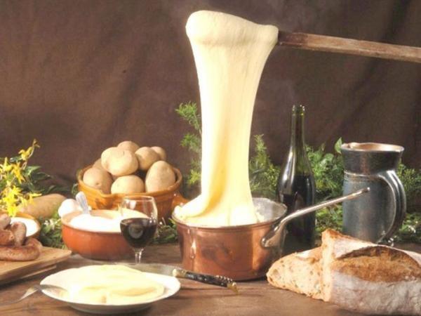 Le fameux Aligot - Gite La Garde - Gagnac 12310