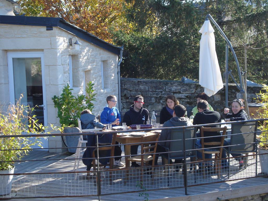 Gite La Garde Gagnac en Aveyron - Bonne tablée en automne