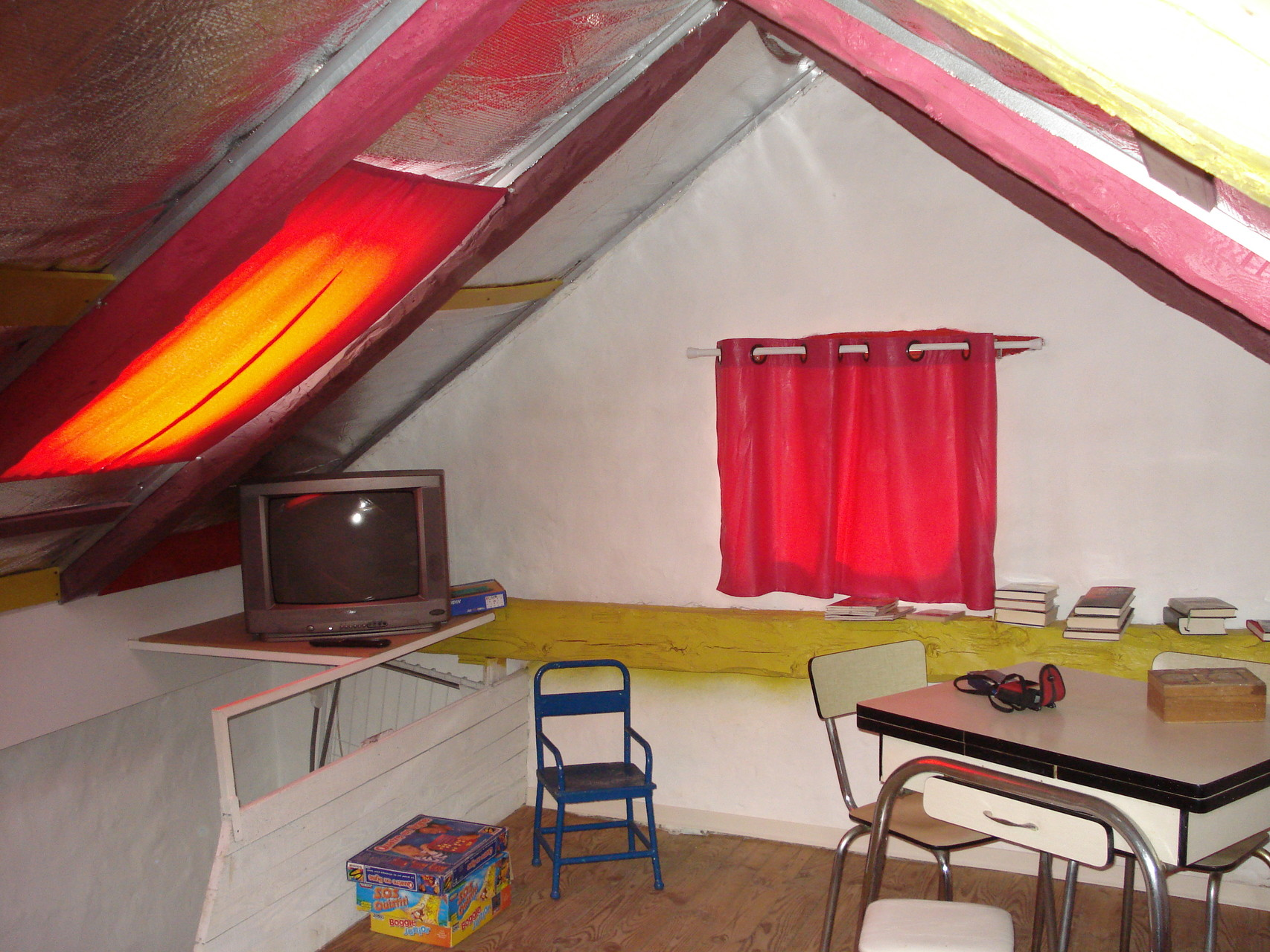 La salle de jeux / repos (originale) - Gite La Garde Gagnac en Aveyron