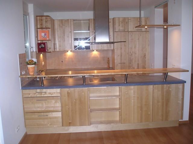 U-Form Küche Front Birke massiv lackiert