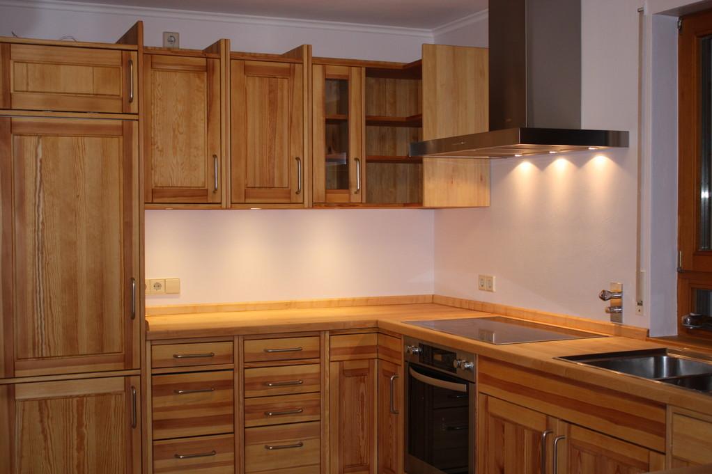 Massivholzküche Kiefer geölt, frisch restauriert