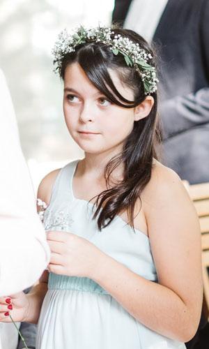 robes de petites filles d'honneur dans le thème du mariage, cortège