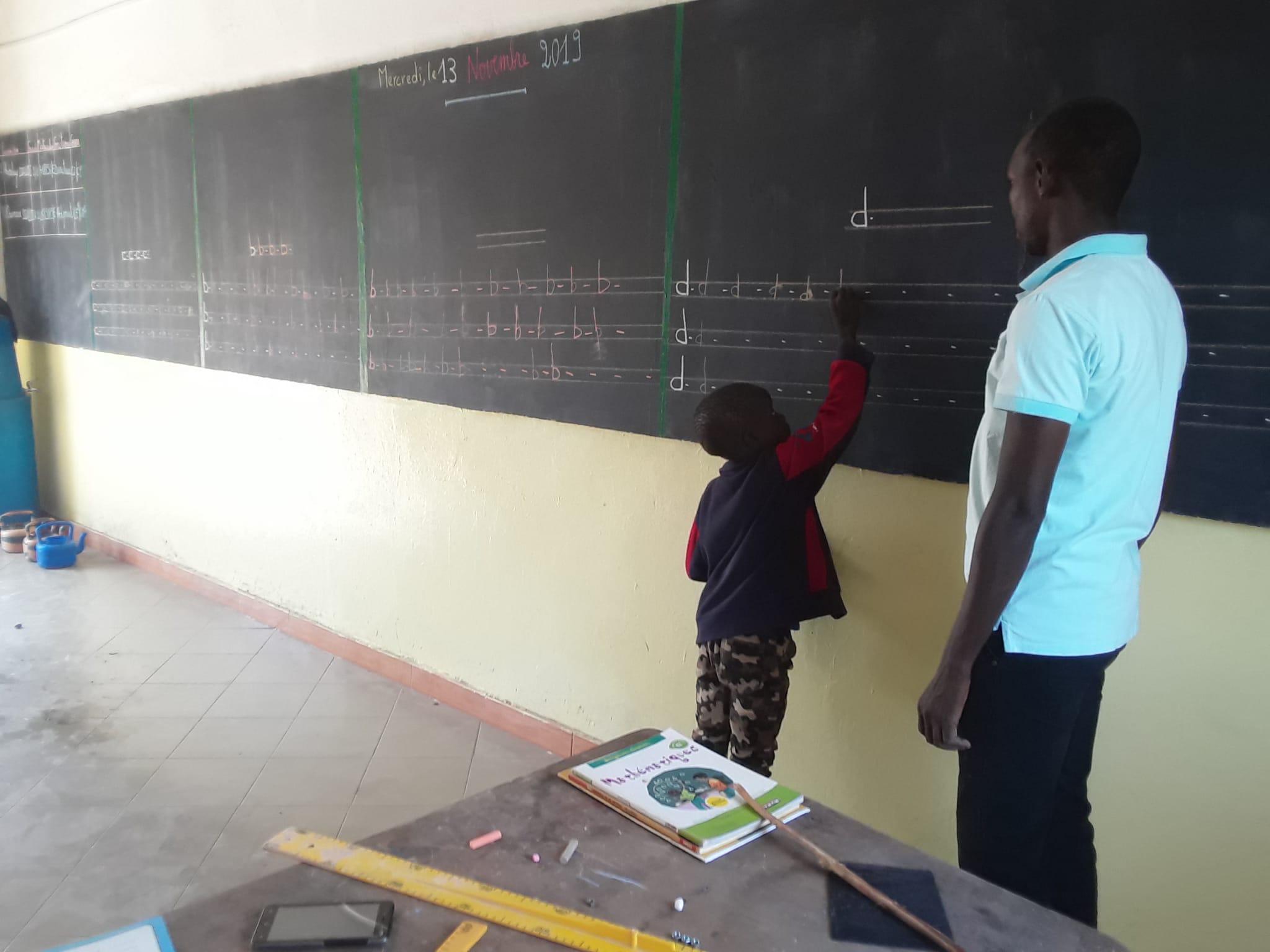 Unterricht im renovierten Schulgebäude (das 1.)